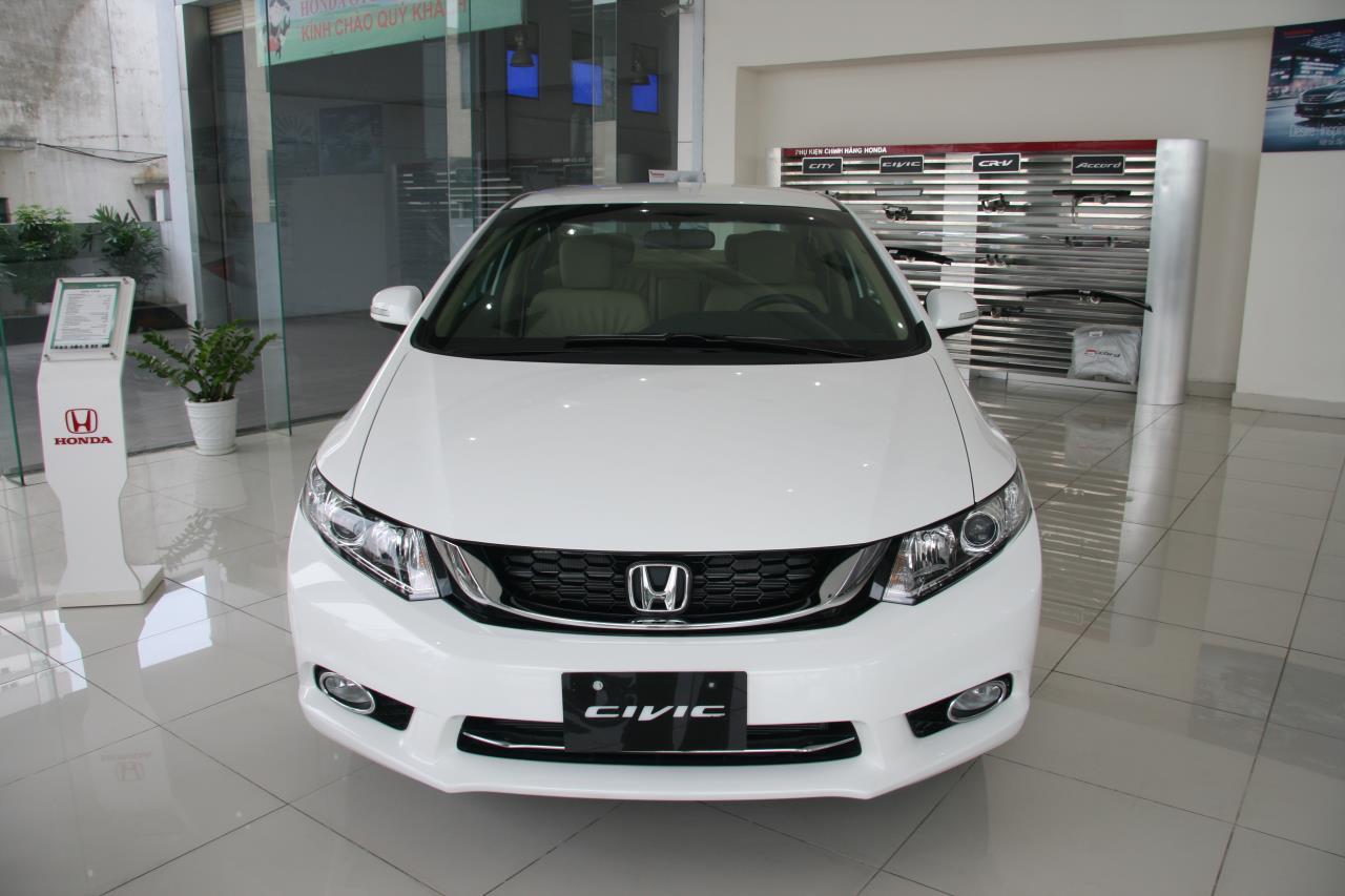 Honda Civic 1.8 AT 2015