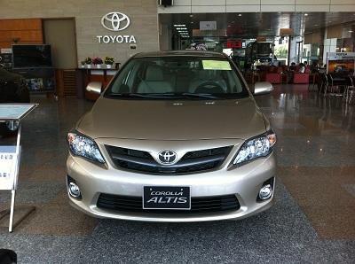 Toyota Corolla Altis 2.0 V 2012