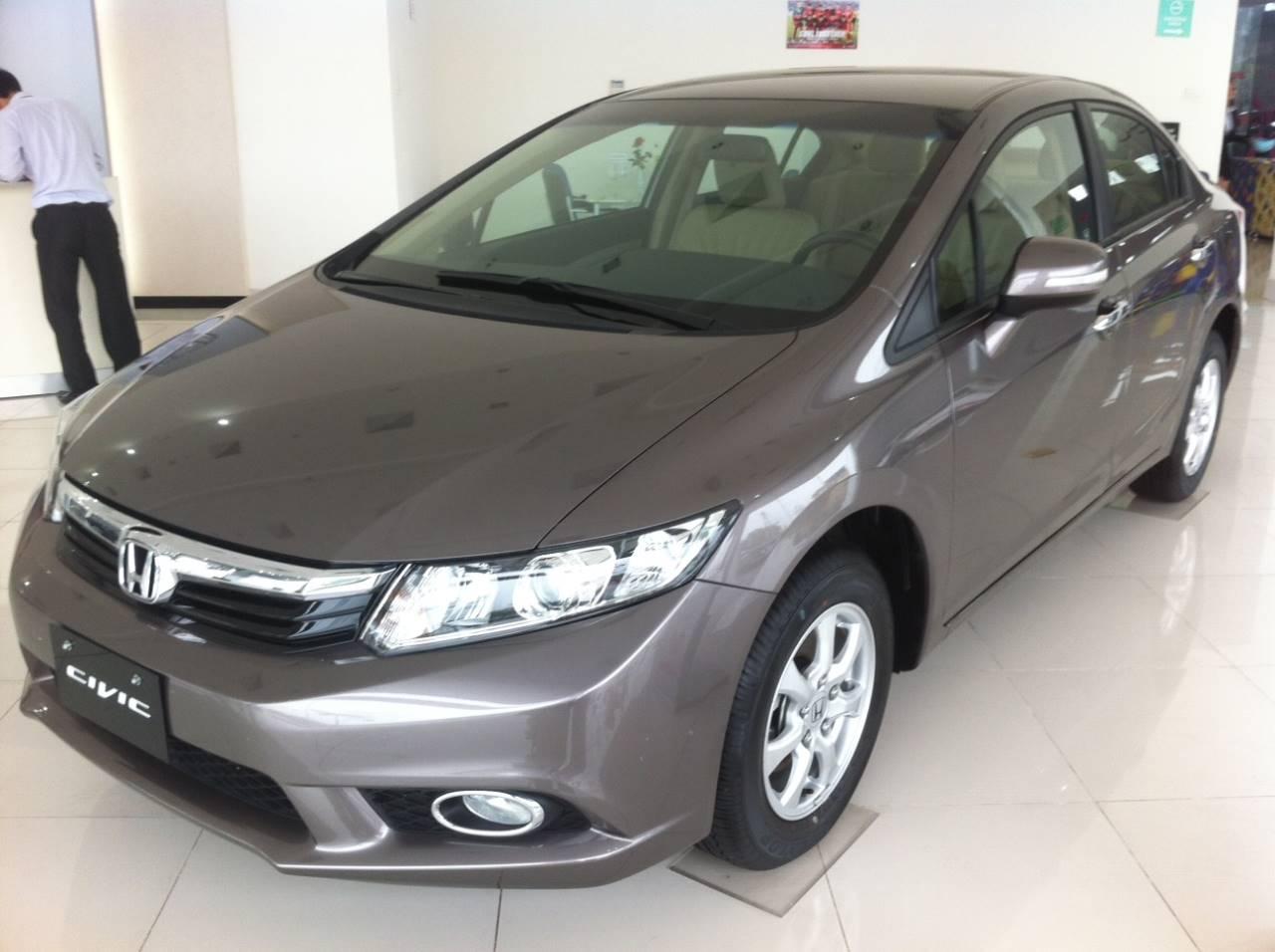 Honda Civic 2.0 AT 2013