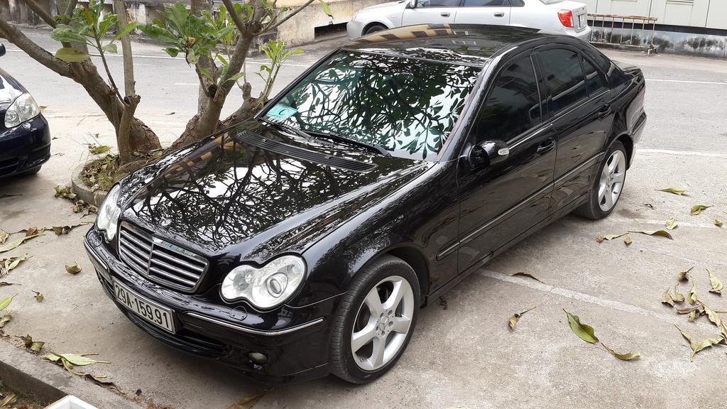 Mercedes-Benz C-Class C240 2004