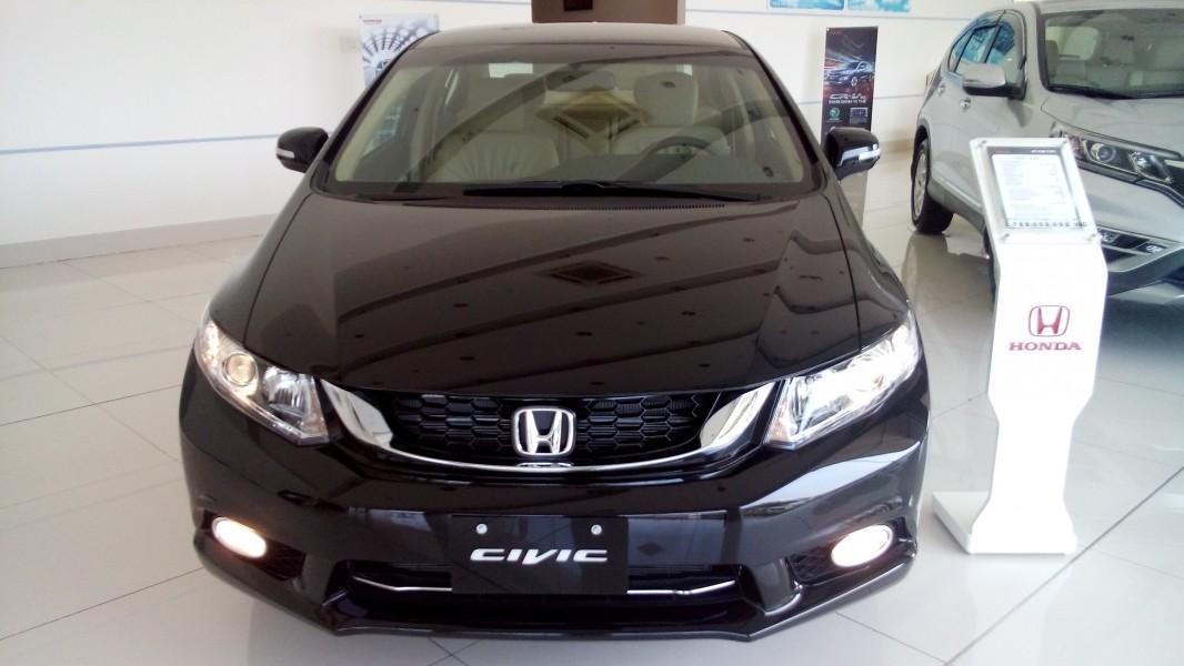 Honda Civic 1.8 AT 2016