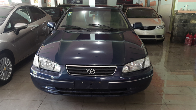 xe Toyota Camry 2.2 2000