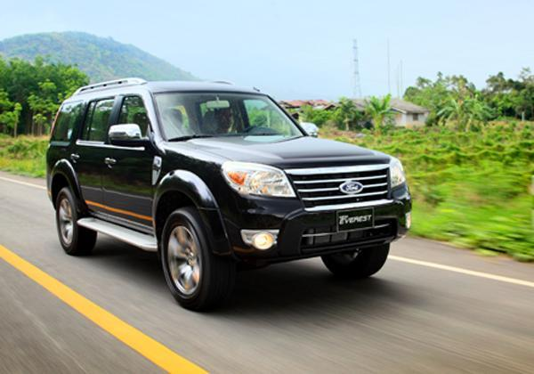 xe Ford Everest 4x2 AT 2013