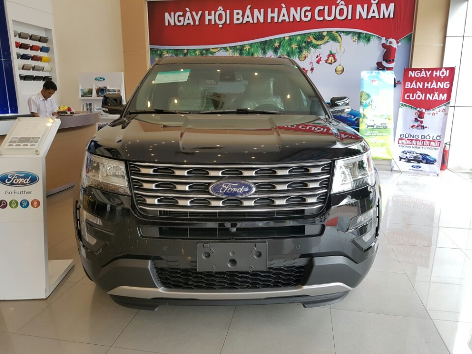 xe Ford Explorer Limited 2017
