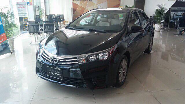 Toyota Corolla Altis 1.8G MT 2017