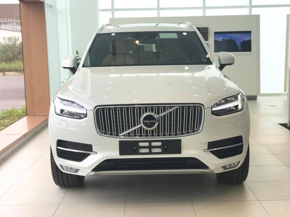 xe Volvo XC90 T6 AWD Incription 2017