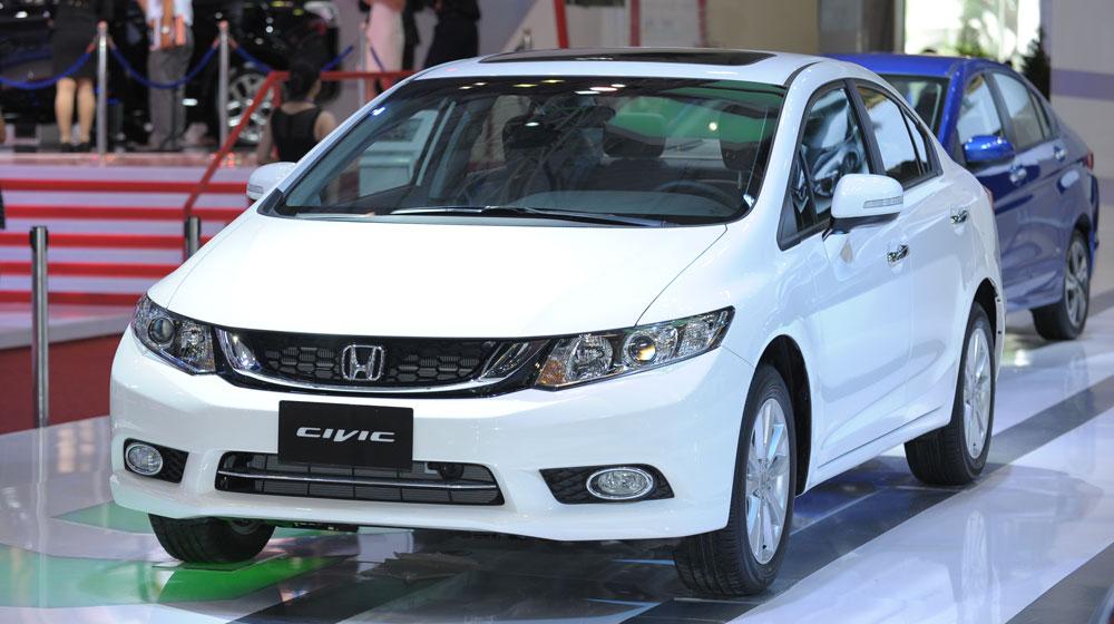 Honda Civic 1.8AT model 2015