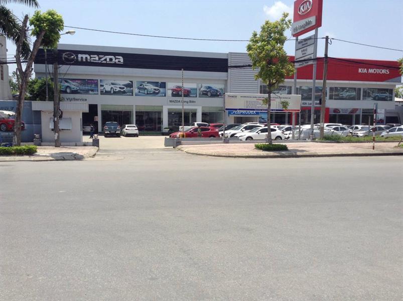 anh dai ly Mazda Long Biên