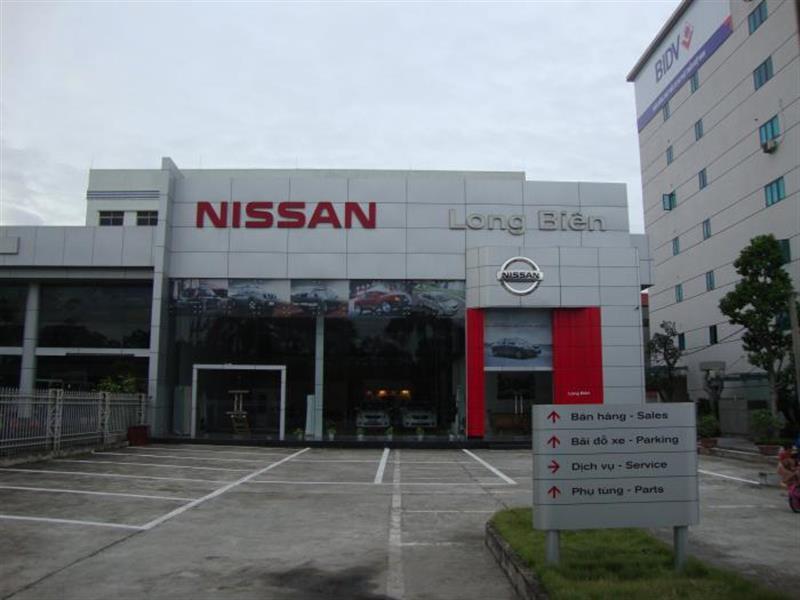 anh dai ly Nissan Long Biên