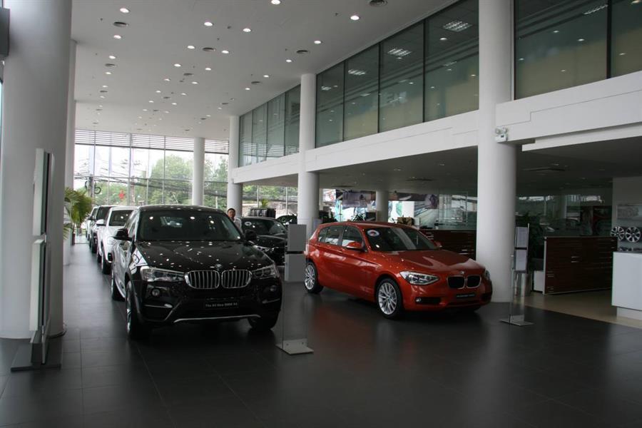 BMW Long Biên
