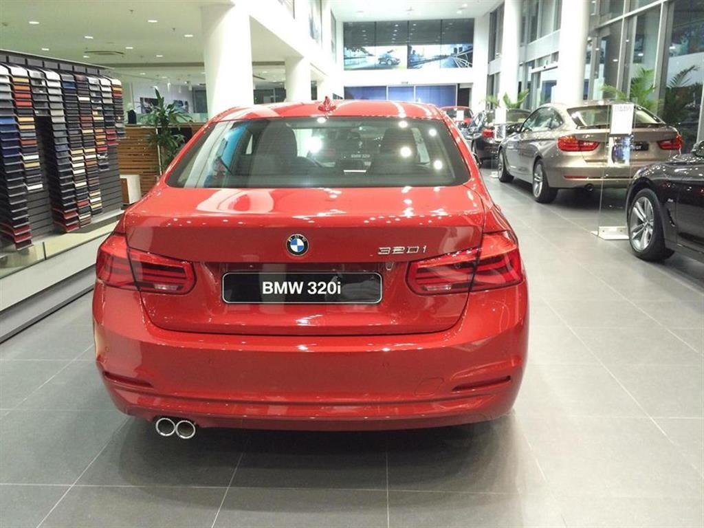 Ảnh BMW 3 Series 320i 2016
