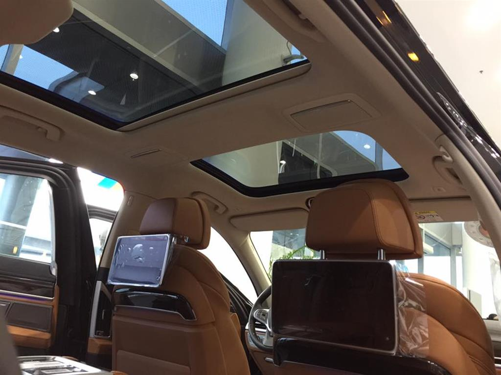 Ảnh BMW 7 Series 740Li 2016