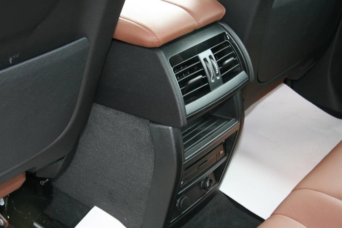 Ảnh BMW X6 xDrive30d 2015