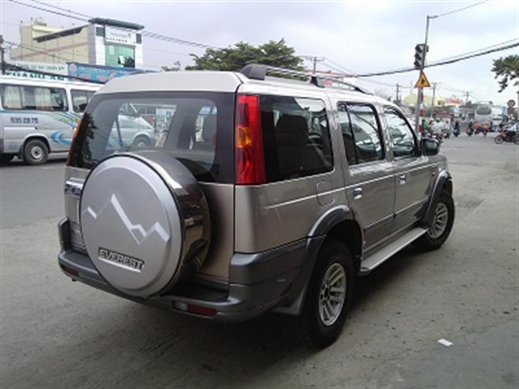 Ford Everest 4x2 MT D 2005