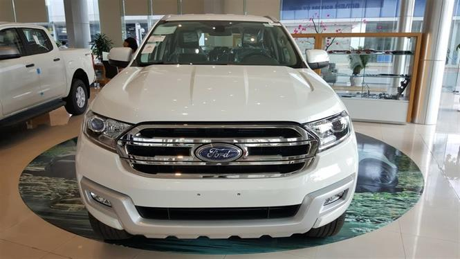 Ảnh Ford Everest Trend 2.2 AT 4x2 2017