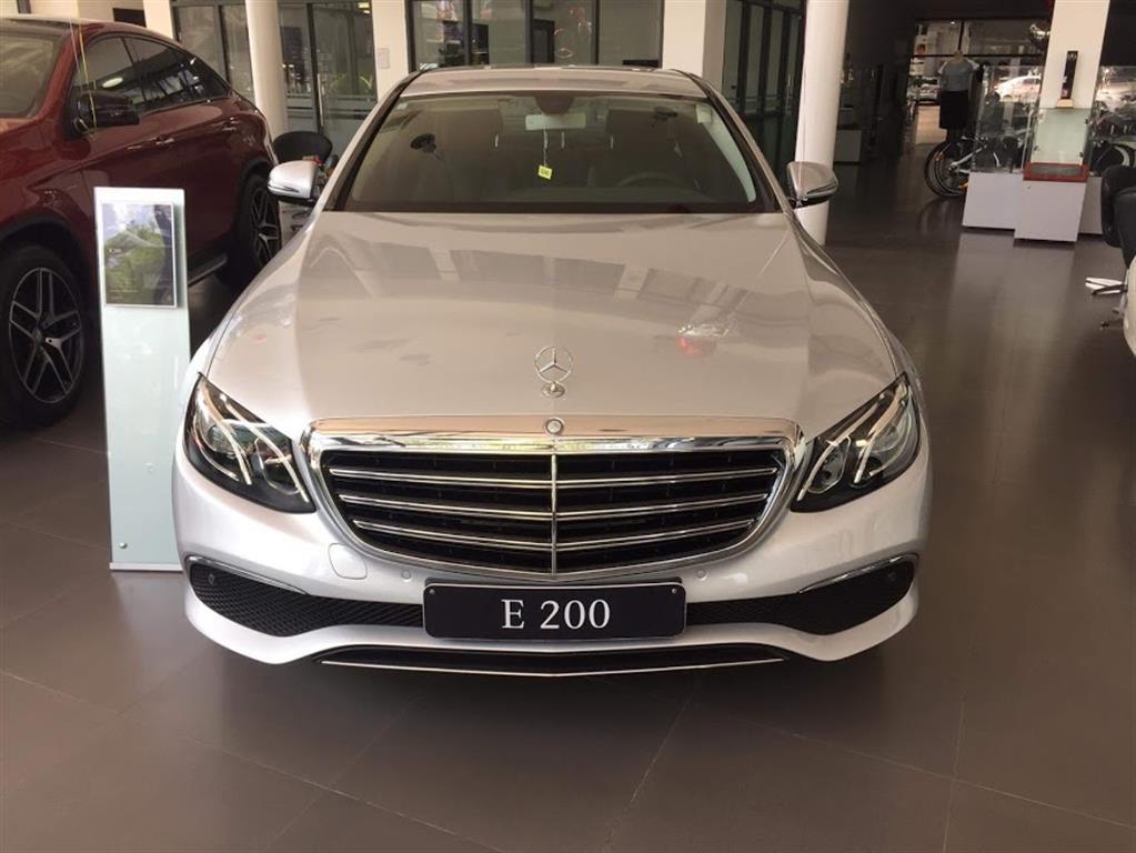 Ảnh Mercedes-Benz E-Class E200 2017