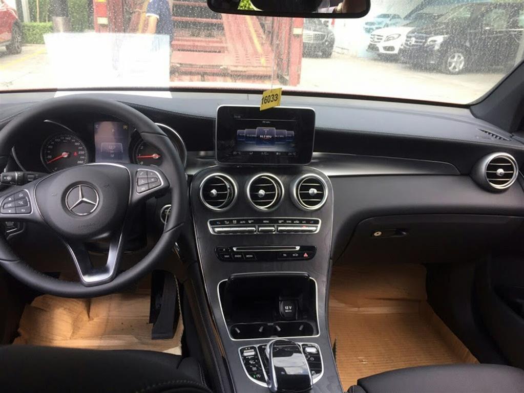 Ảnh Mercedes-Benz GLC-Class GLC 300 4Matic 2016