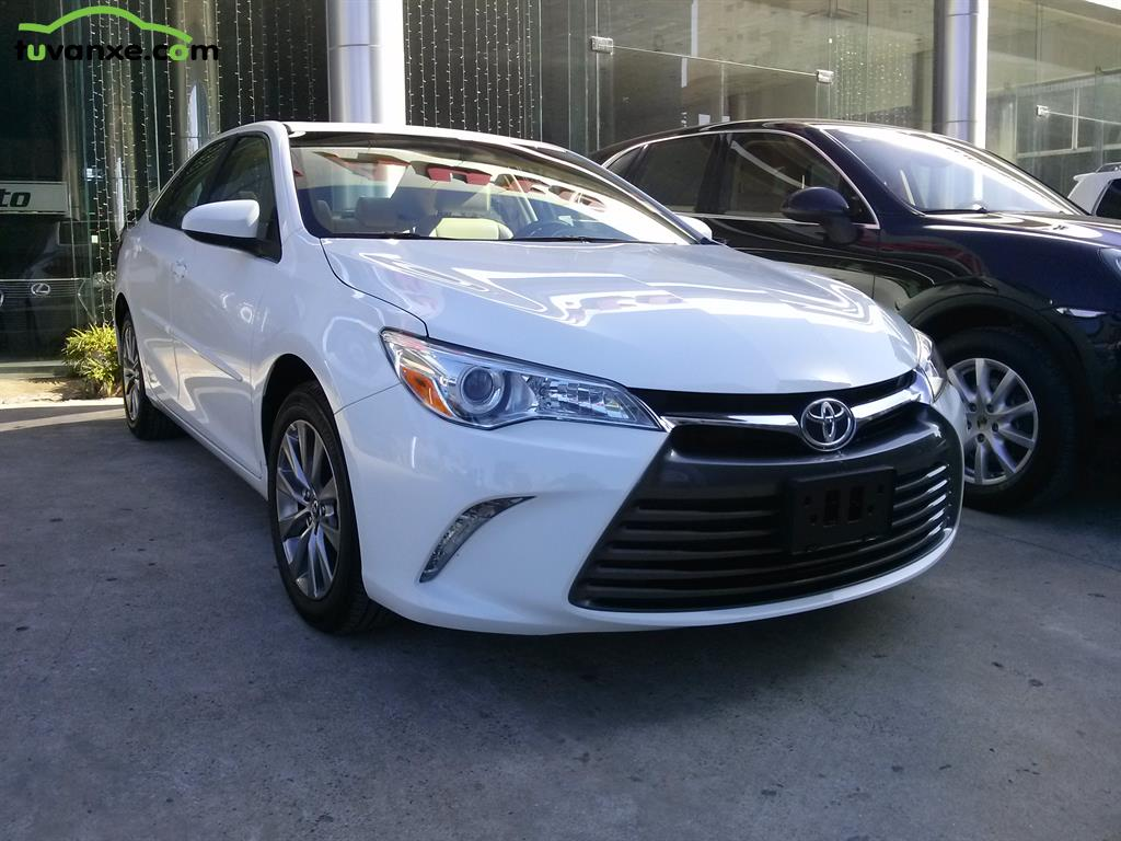 Toyota Camry XLE 2.5 2015