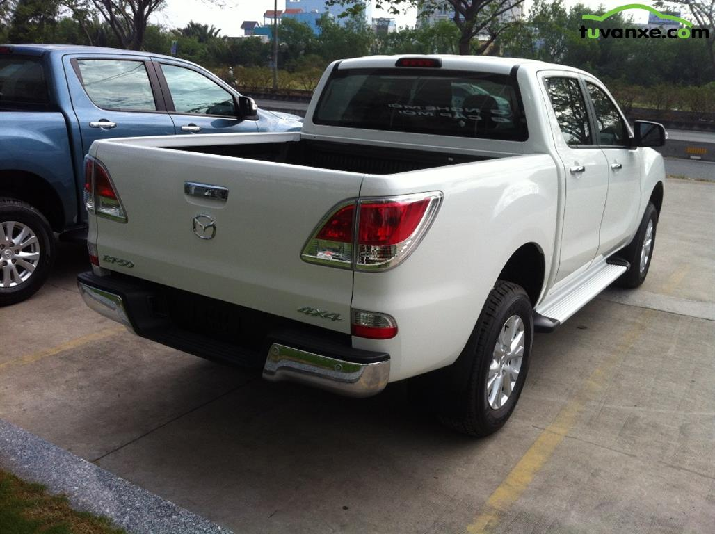 Mazda BT-50 2.2 AT 2WD 2015