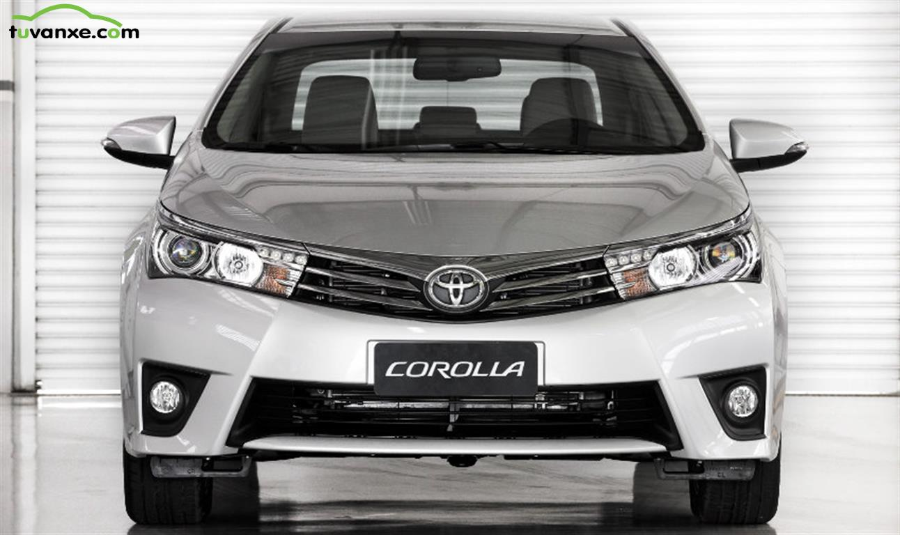Toyota Corolla Altis 1.8G AT model 2015