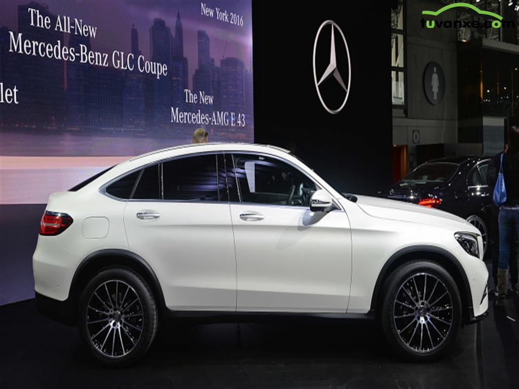Mercedes-Benz GLC-Class GLC 300 4Matic 2016