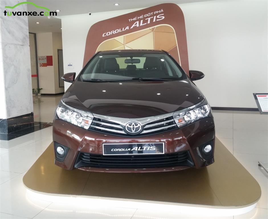 Toyota Corolla Altis 1.8G MT model 2015