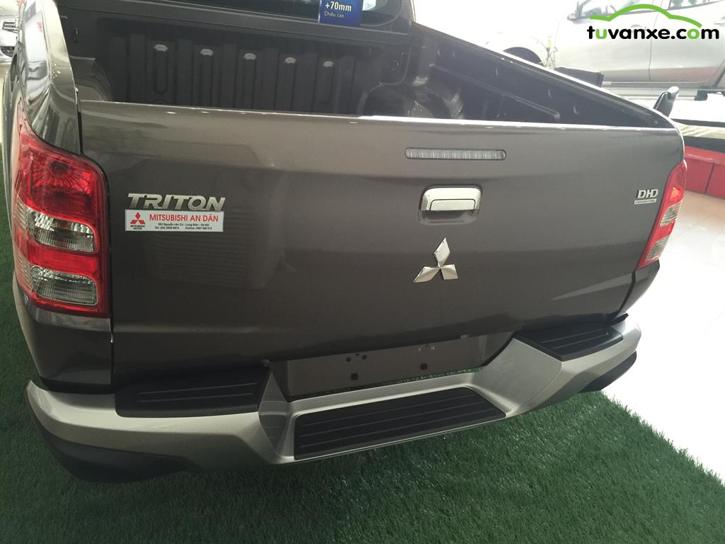 Ban Mitsubishi Triton 4x4 AT 2015