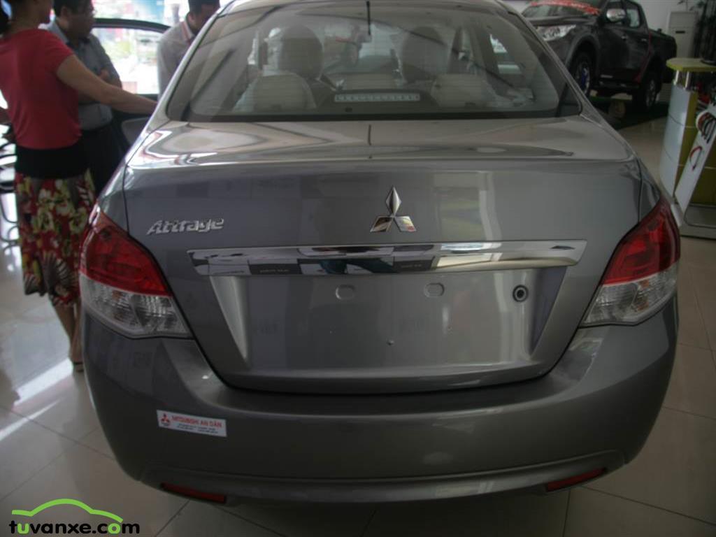 Ban Mitsubishi Attrage cvt 2015