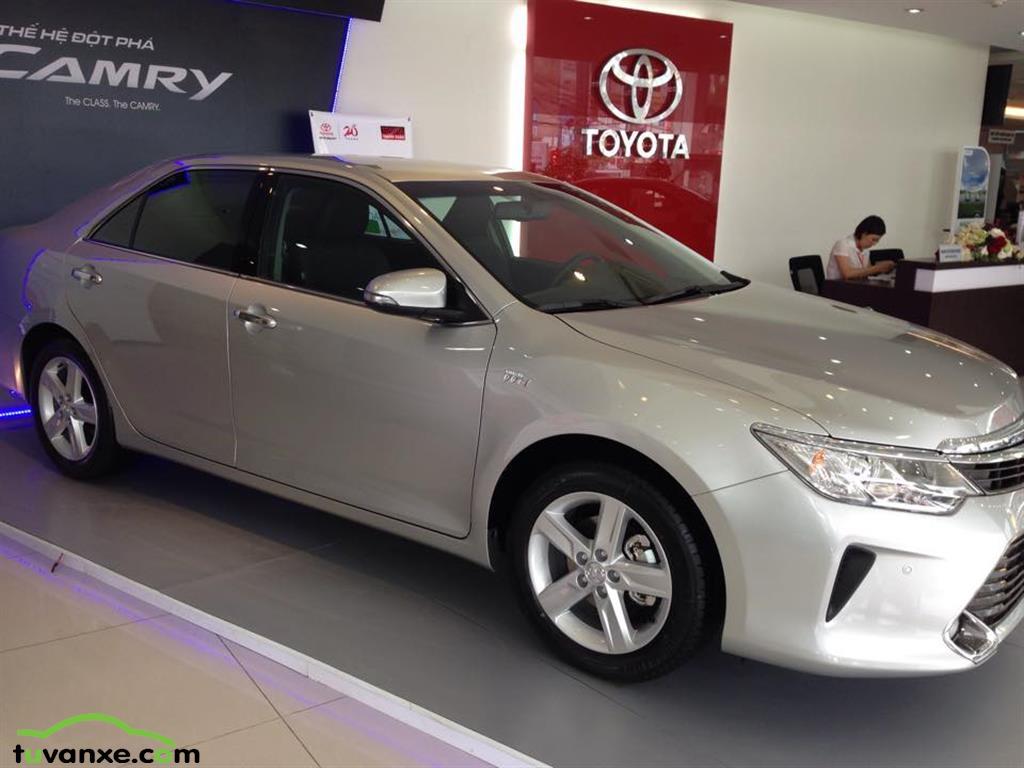 Ban xe Toyota Camry 2.5Q