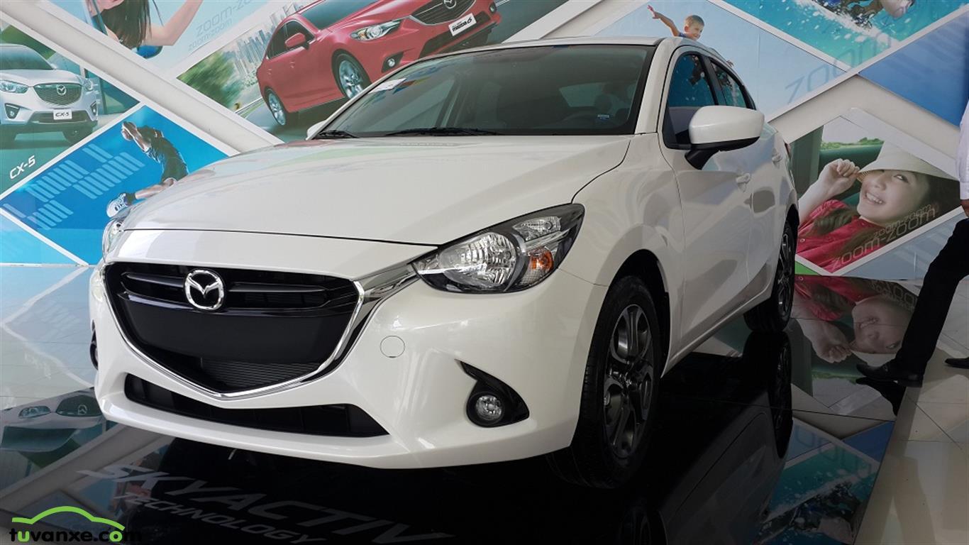 Mazda 2 sedan 2015