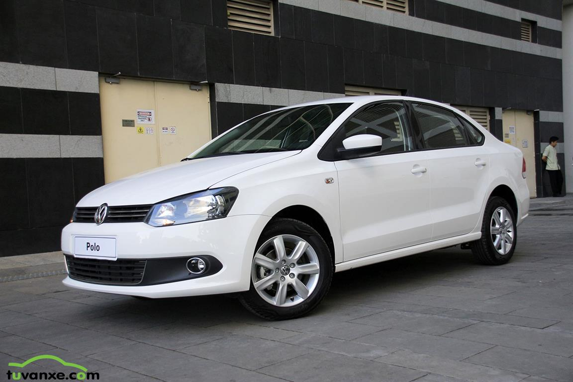 Volkswagen Polo sedan AT 2015