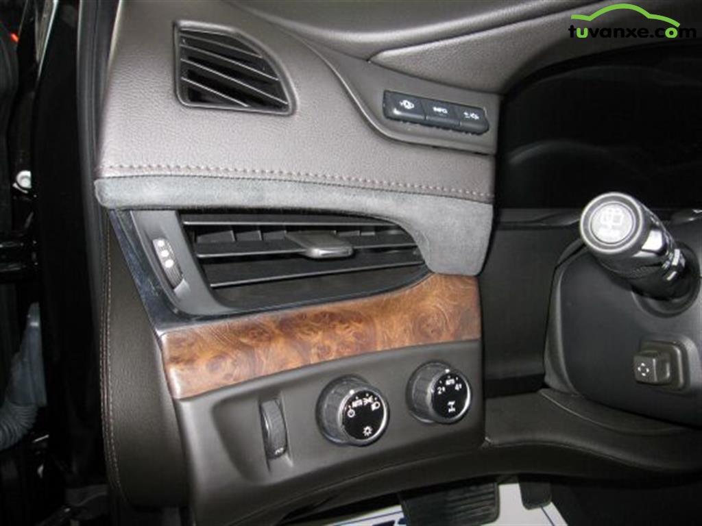 Ban xe Cadillac Escalade ESV Premium