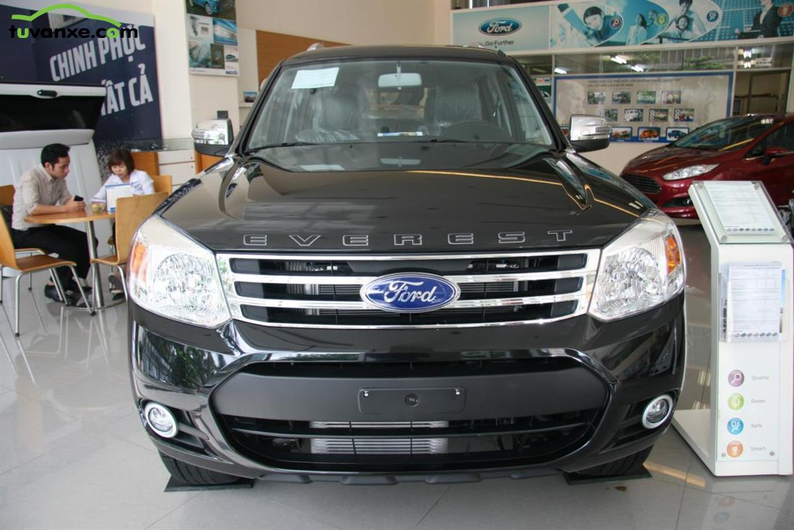 Ford Everest XLT 4x2 2015