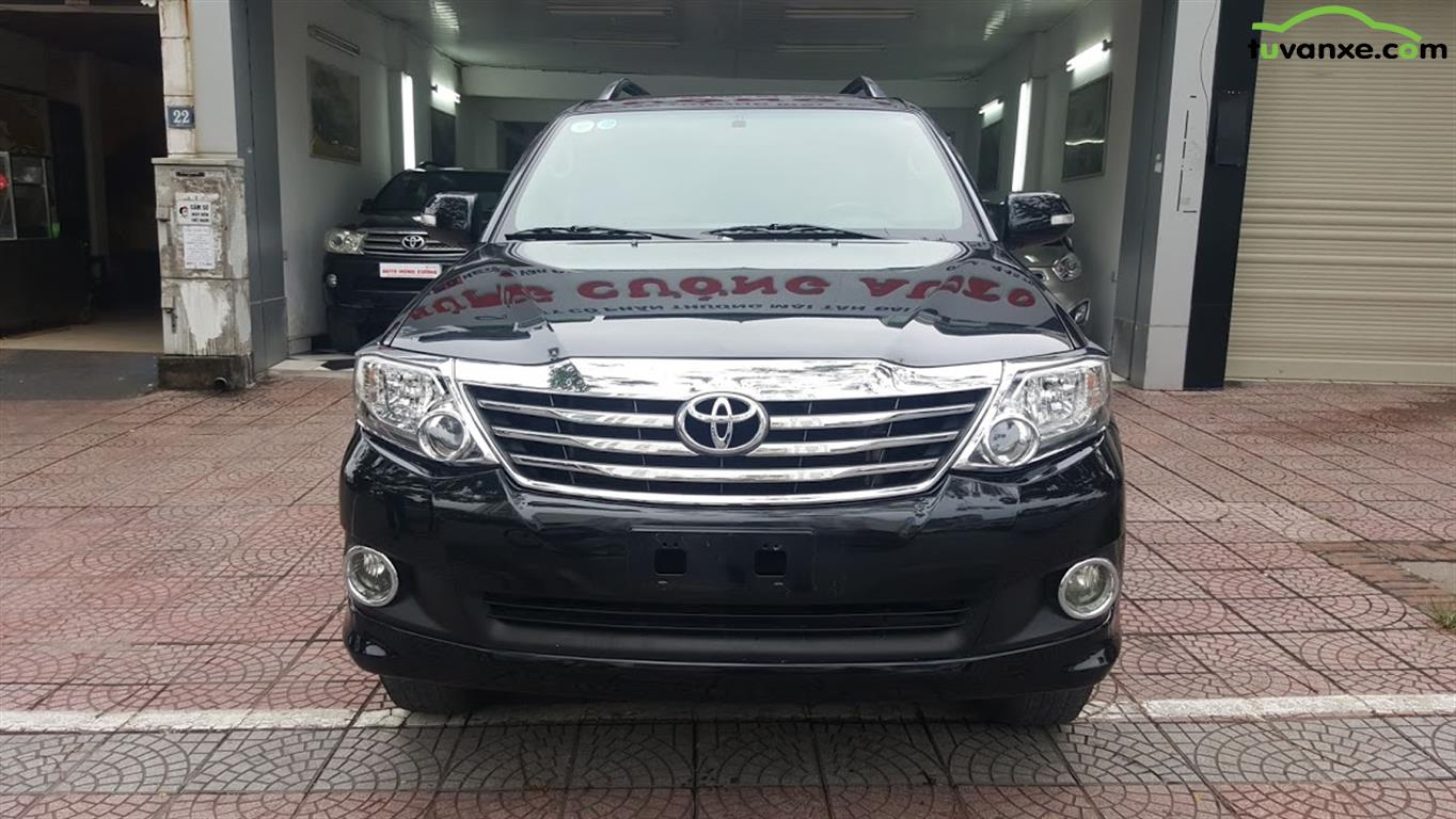 Toyota Fortuner 2.7V 4x2 model 2013