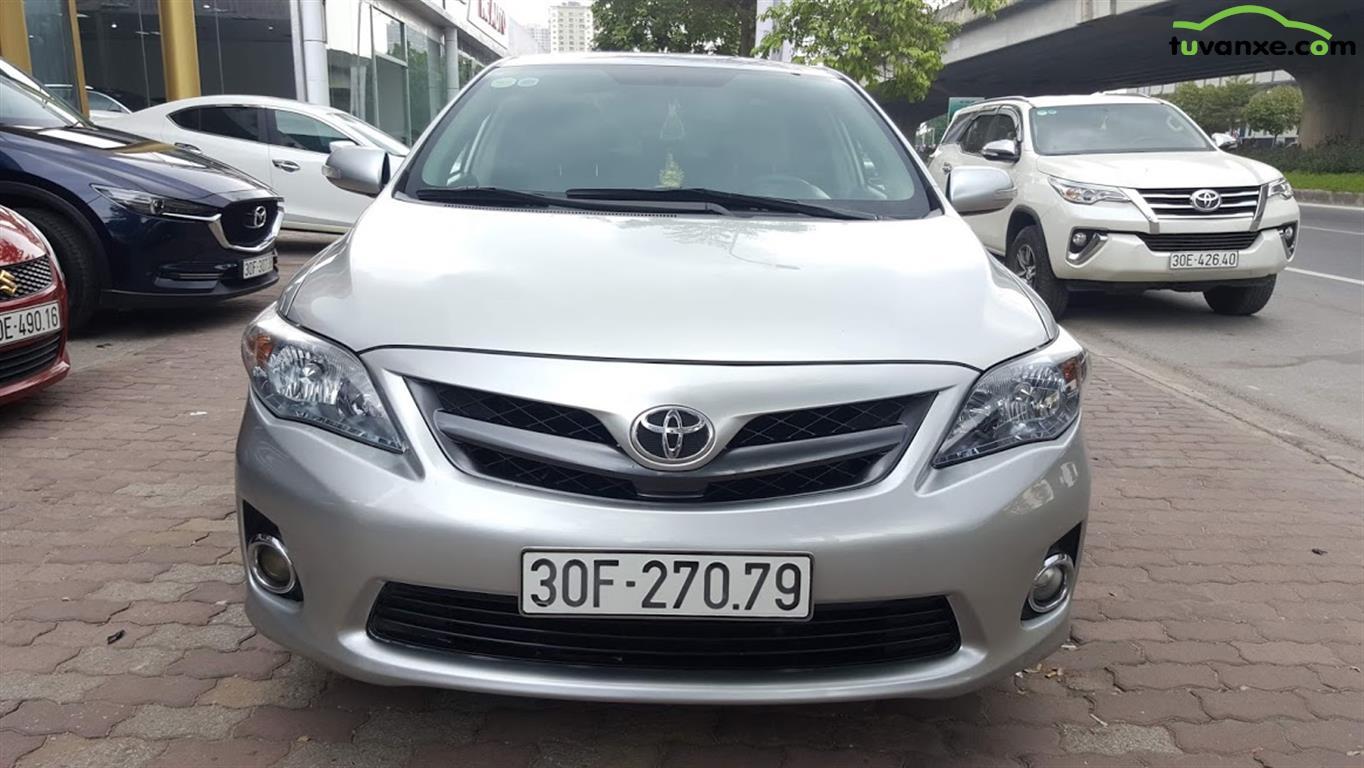 Toyota Corolla Altis 2.0V 2013