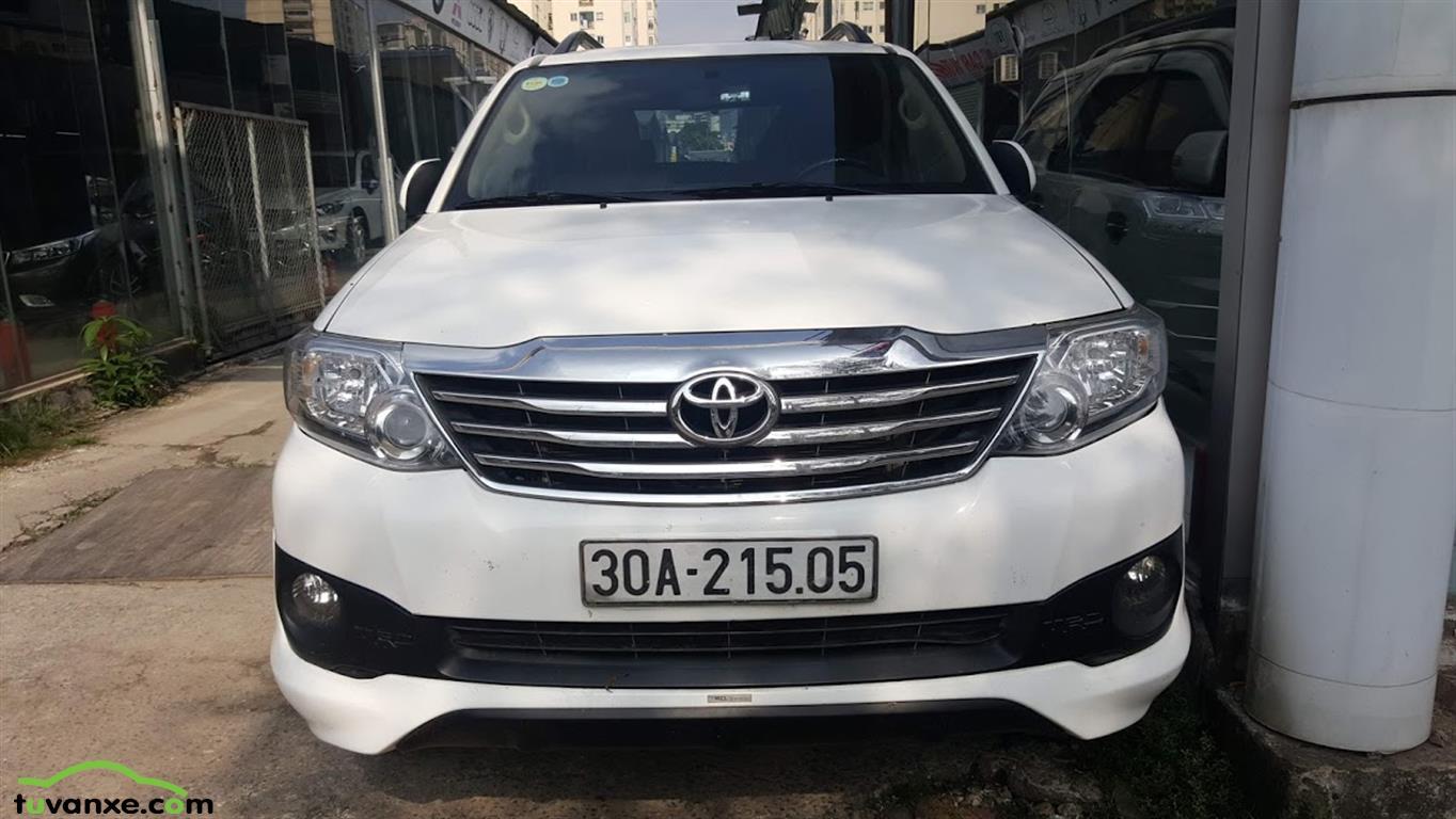 Toyota Fortuner 2.7V 4x2 2014