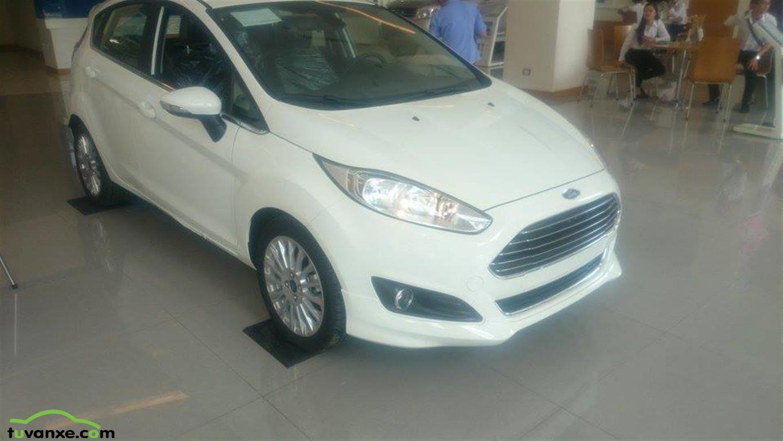 Ford Fiesta Hatchback 1.0 AT Sport+ 2015