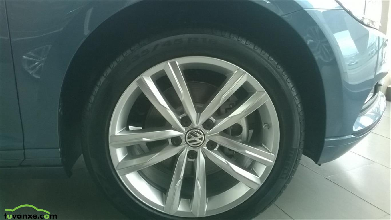Ban xe Volkswagen Passat E