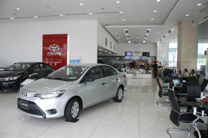 anh dai ly Toyota Long Biên