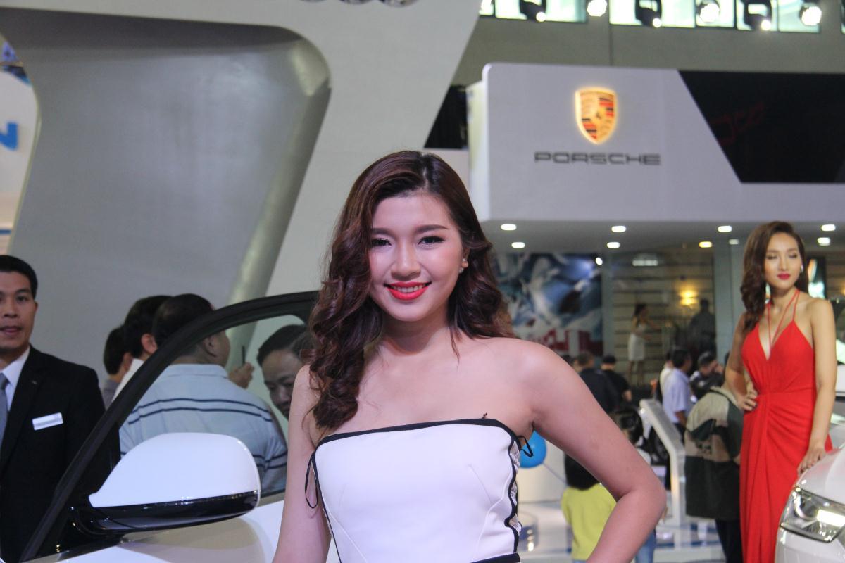 Người mẫu Việt khoe sắc tại Vietnam Motor Show 2015 55